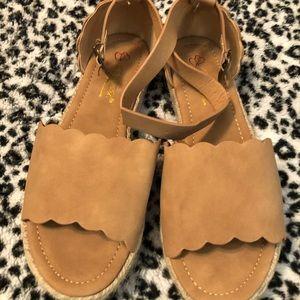 Boutique platform shoes size 8.5 NWOT